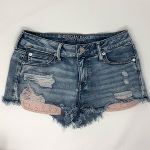 AEO - 8 - Super Stretch Shortie Distressed